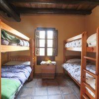 El Brazal. Habitación literas Nogal